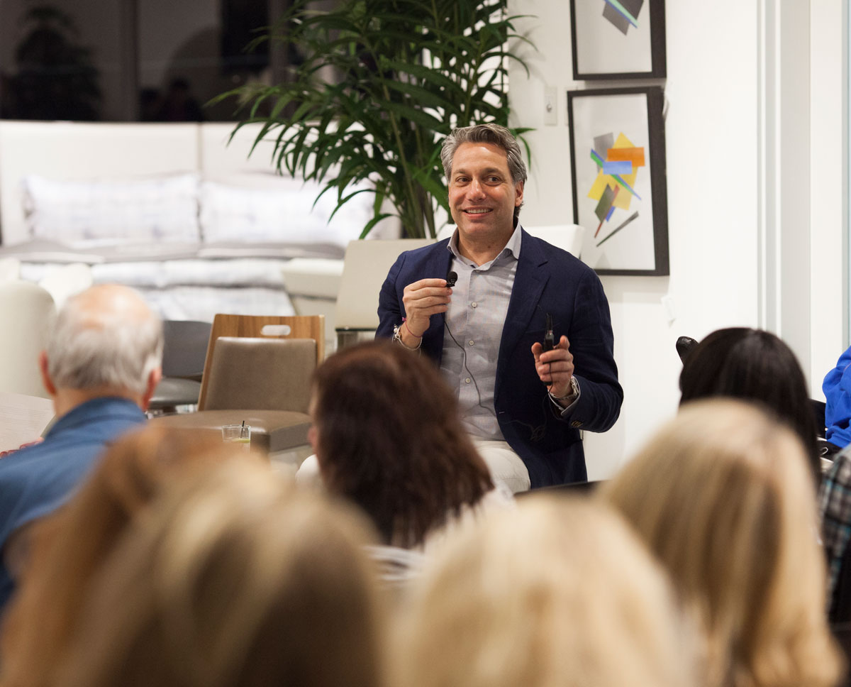 Thom Filicia speaks with the crowd about everything from his least favorite sound to what Americana really is. Photo by Miss Takes, Miranda Kruse.