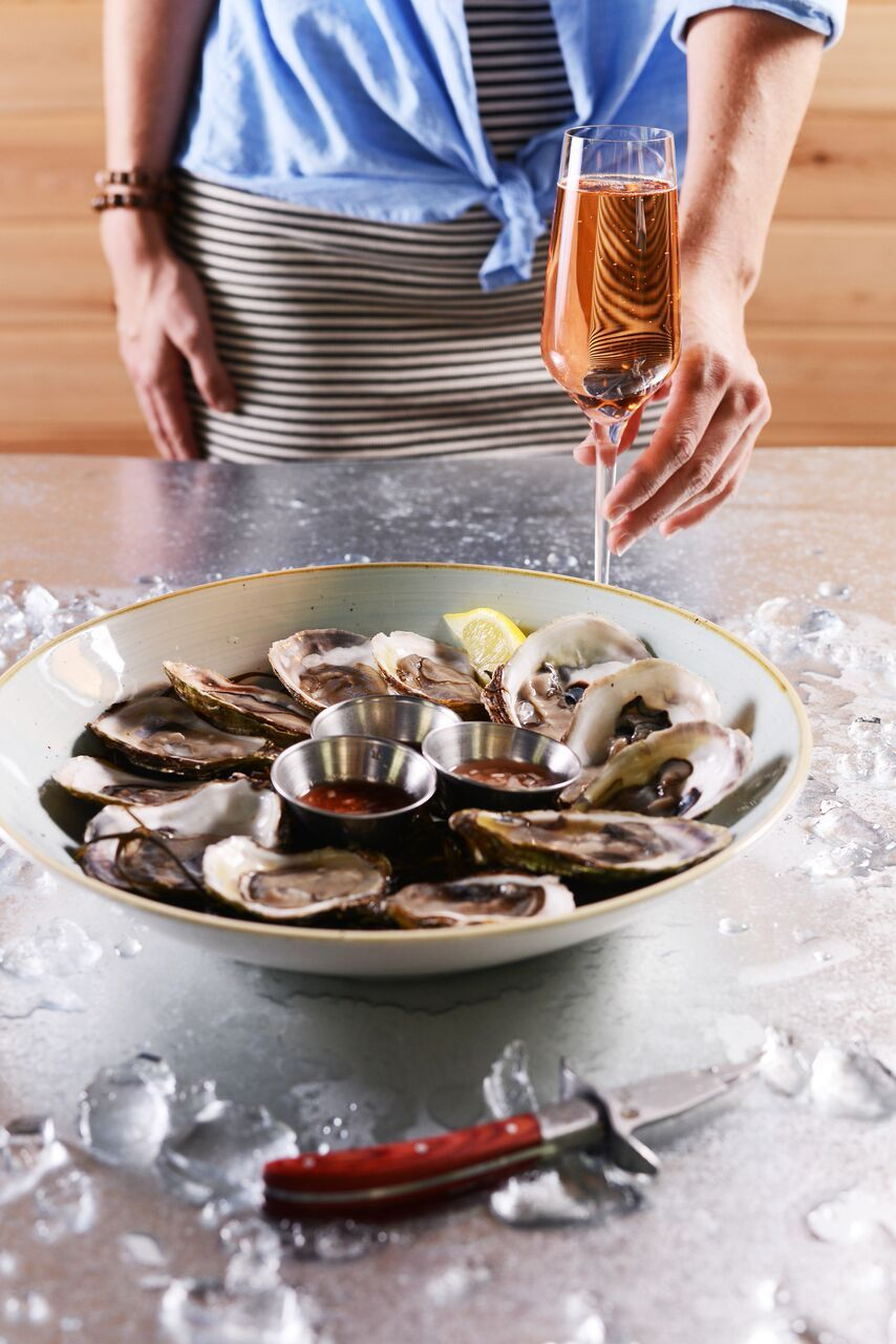 The Parched Pig Oysters by South Moon Photography