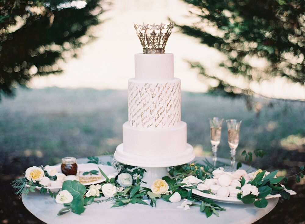 Cake by Earth and Sugar (Photo by Melanie Gabrielle Photography)